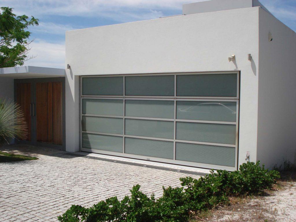 Monarch Renlita - Custom Doorway Solutions